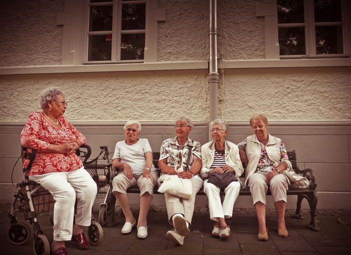 Kluby seniora w Polsce – gdzie szukać?