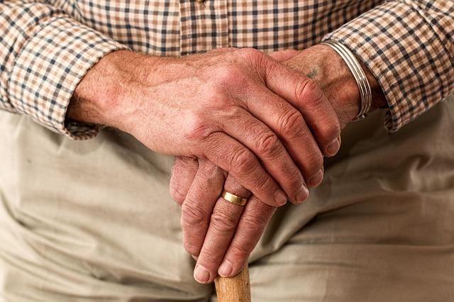 Dłonie mężczyzny