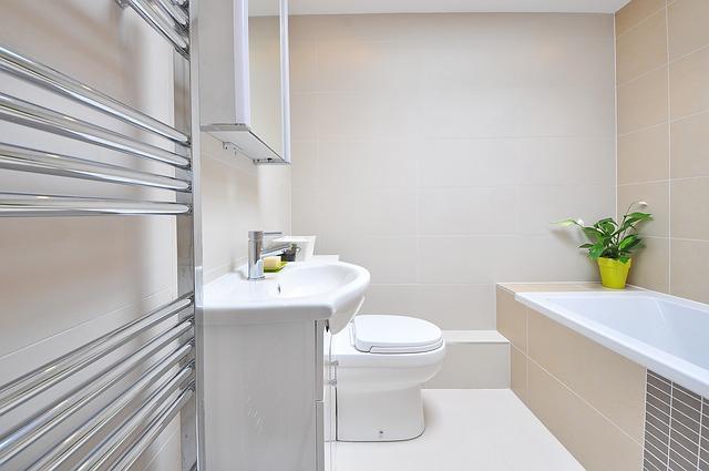 Łazienka w beżowej kolorystyce