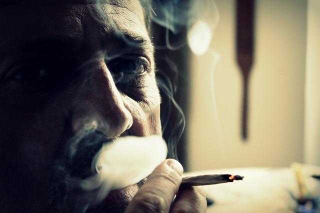 dym-papieros-oczyszczacz-powietrza